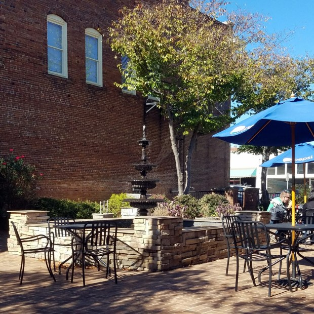 Three Things Thursday: Outdoor Café in Downtown Monroe | Ms. Emily's Home for Full-Grown Nerds