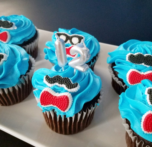 Three Things Thursday: Anniversary Cupcakes | Ms. Emily's Home for Full-Grown Nerds